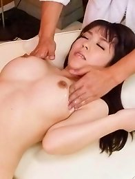 Chinatsu Kurusu Asian has cans fondled with oil and sucks dongs