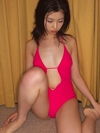 Azusa Togashi shows very appetizing curvesin pink lingerie