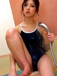 Gentle Azusa Togashi teases us with her body in hot swimsuit